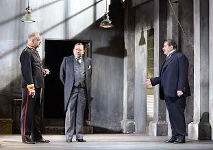 Photo: WIEN/ Theater in der Josefstadt: DIE SCHÜSSE VON SARAJEVO von Milan Dor und Stephan Lack. Premiere 3. April 2014. Inszenierung:  Herbert Föttinger, Heribert Sasse, Toni Slama. Foto: Barbara Zeininger.