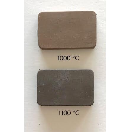 Lergodslera brun/svart med chamotte - 1000-1120°C