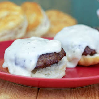 Country-Style Pepper Gravy (For Biscuits).