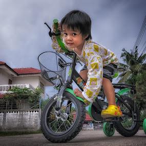 Wanna ride?... by Harold Dan - Babies & Children Child Portraits