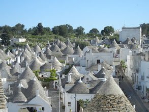 Photo: As you can see, there are many trulli in Alberobello, around 2,000 or so.