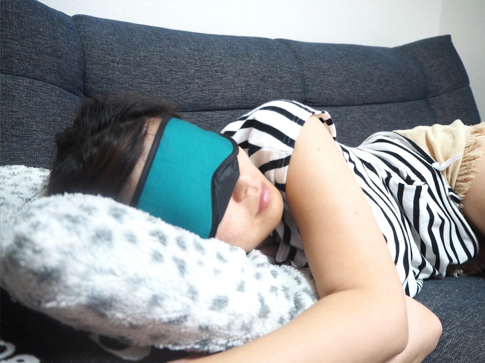 疲れた目を温める・冷やす方法の効果とは