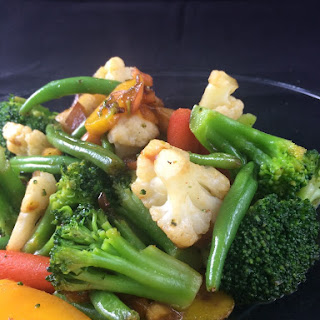 Apple Sriracha Veggie Stir-Fry