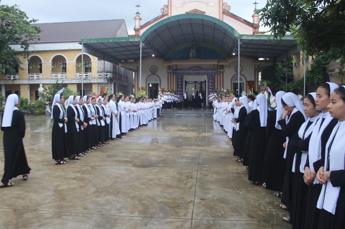 Thánh Lễ An Táng Nữ Tu Anna Trần Thị Phượng - Dòng Mến Thánh Giá Vinh - Ảnh minh hoạ 15