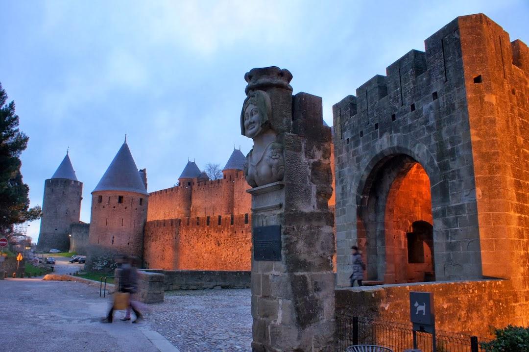 Dame Carcas - Каркасонская дама - город-крепость Каркасон, Франция