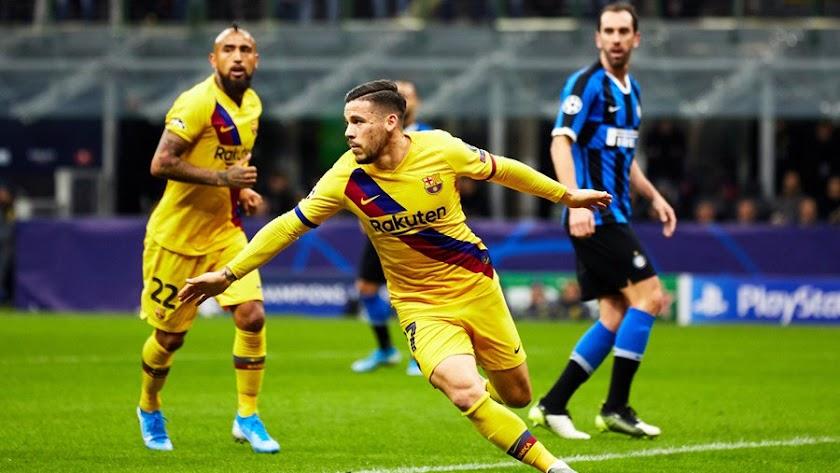 Carles Pérez celebra su gol en el minuto 23 de la primera parte.