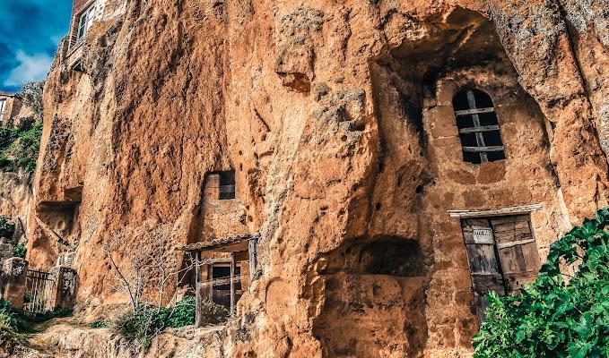 La casa nella roccia di Massimiliano zompi
