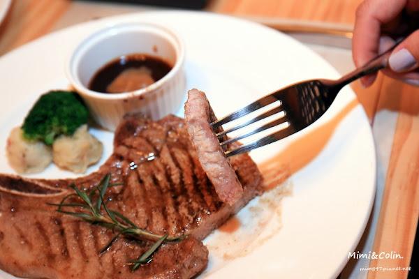 食倉鮮切牛排:古蹟裡的頂級極黑和牛&安格斯,45天熟成,每日冷藏空運;愛牛排別錯過,大推薦。