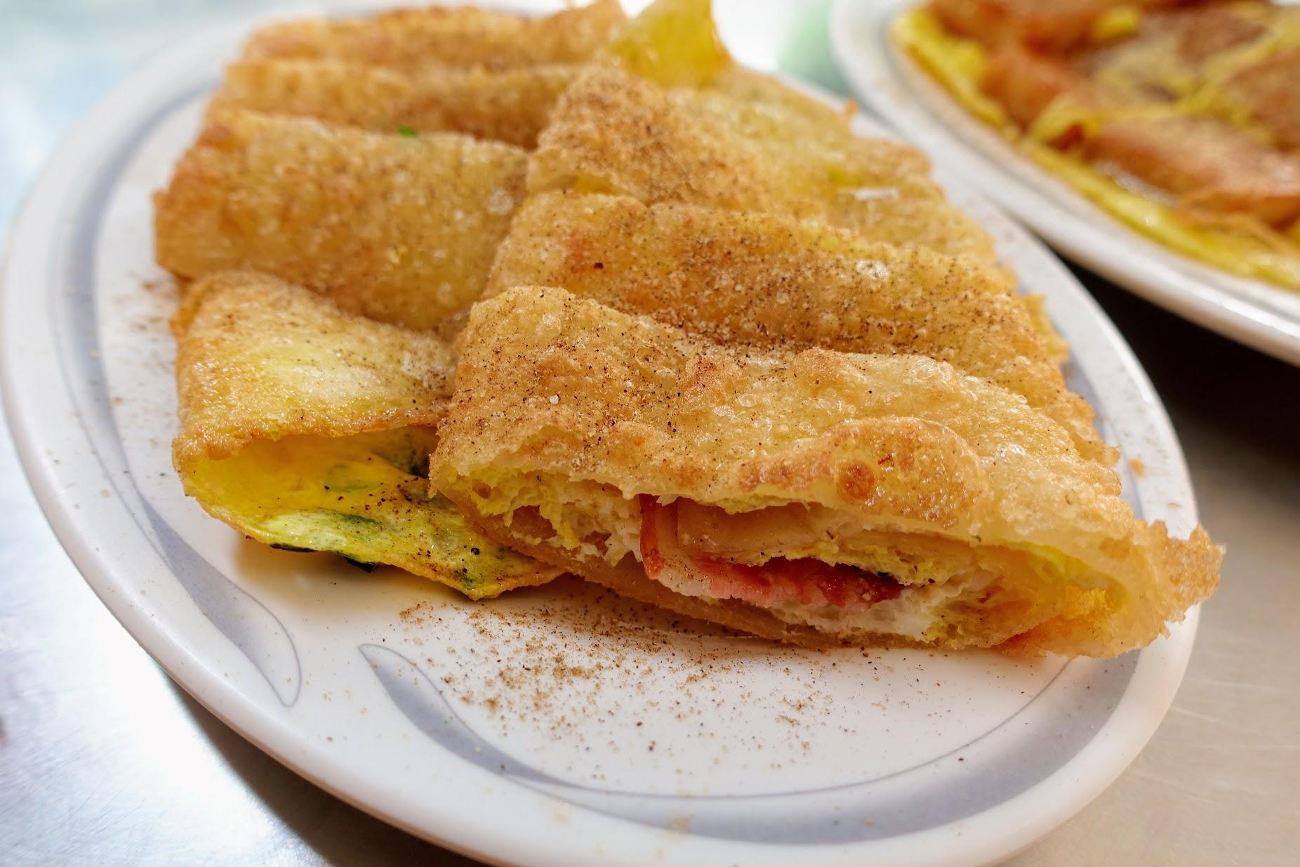 培根蛋餅,是傳統蛋餅,蛋餅皮很脆! 真的很酥脆喔~~