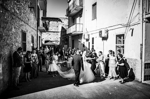 Wedding photographer Leonardo Scarriglia (leonardoscarrig). Photo of 24.05.2019