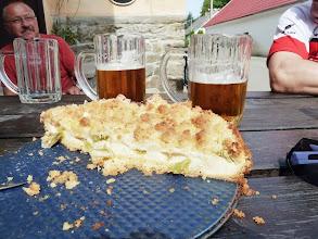 Photo: Dünner Cappuccino wird in Cz meisst in grossen Biergläsern ausgeschenkt.