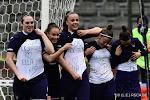 📷 Speelsters Anderlecht steken in kampioenenmatch geblesseerde collega's hart onder de riem
