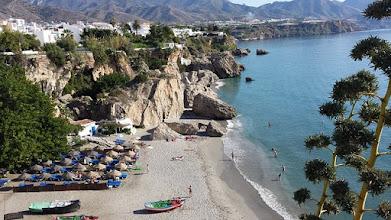 Zdjęcie: Widok na morze, Nerja, Andaluzja (fot. Krakauer1962 - pixabay)