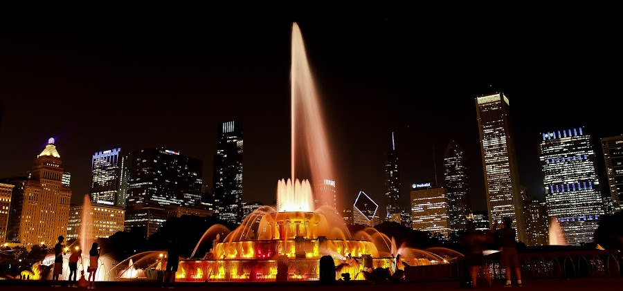 Buckingham Fountain by Nirmal Kumar - City,  Street & Park  Fountains ( skyline, fountains, buckingham fountain, night, chicago )