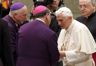 Photo: Pope Benedict XVI greets bishops during his general audience in Paul VI hall at the Vatican Nov. 28. (CNS photo/Paul Haring) (Nov. 28, 2012) See POPE-AUDIENCE Nov. 28, 2012.