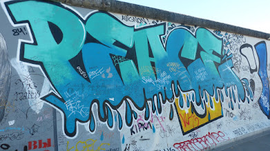 Photo: East Side Gallery; PEACE