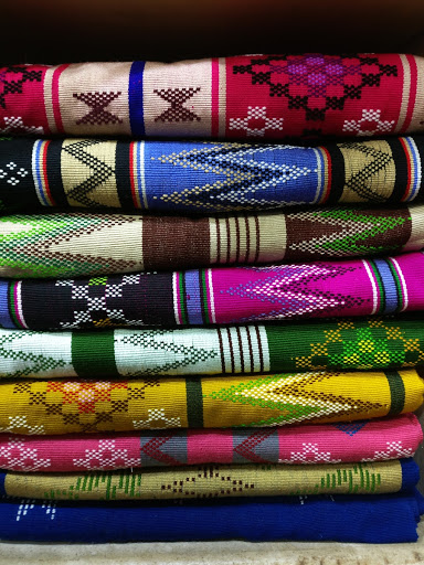 Puanchei: Backstrap weaving of Mizoram: Bada Bazaar cloth market — Google  Arts & Culture