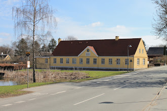 Photo: Smørumovre Gamle Skole. (Smørum School from 1860 to 1959. Later council chambers, Now museum)