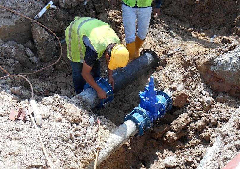 Doprowadzanie wody i kanalizacji do działki