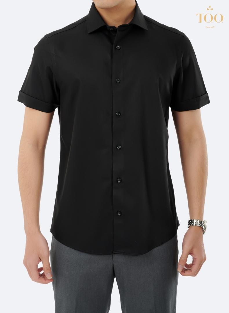 Mẫu áo sơ mi nam cộc tay đen M71CS cao cấp, là sự lựa chọn hoàn hảo trong ngày hè