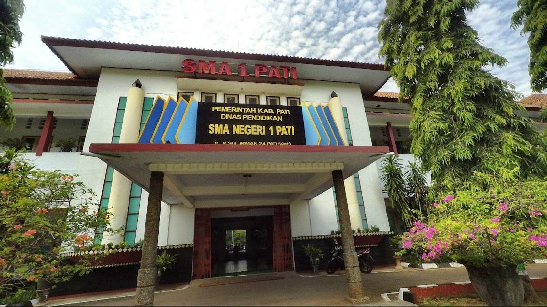 Foto SMA Negeri 1 Pati Tampak Depan