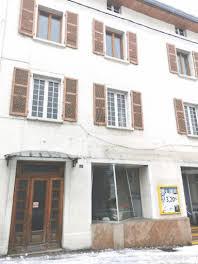 Maison 10 pièces 234 m2