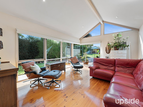 Photo of property at 62 Banksia Place, Rosebud 3939