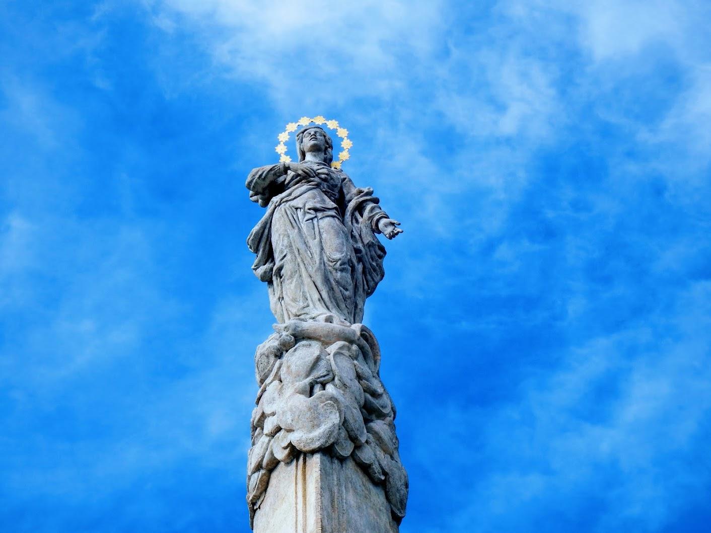 Tata - Maria Immaculata a Kossuth téren