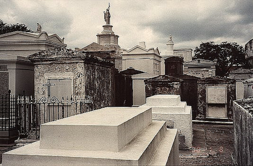 Cemetery Scene Live Wallpaper