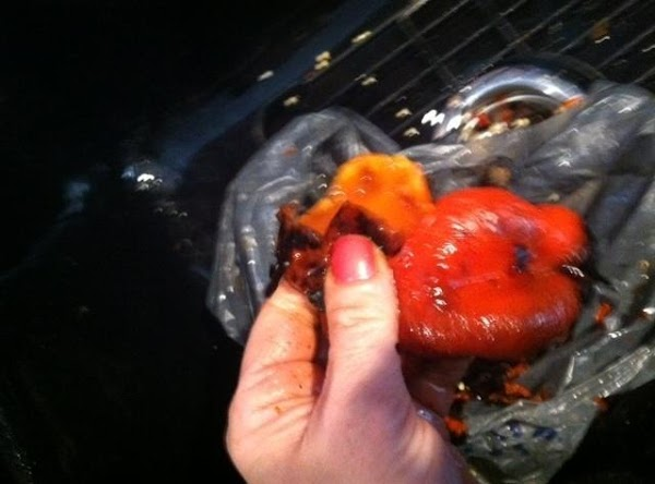 CLEAN OFF CHAR FROM PEPPERS BY RUBBING WITH FINGERS N REMOVE SEEDS N RINSE...
