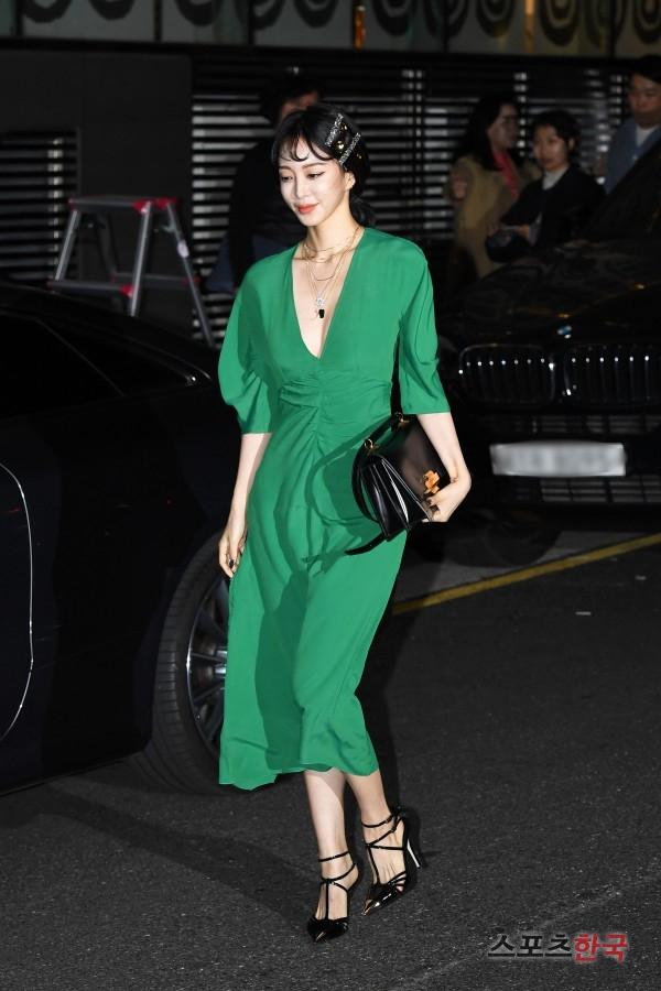 han ye seul green dress 2