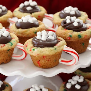 HOT CHOCOLATE COOKIE CUPS.
