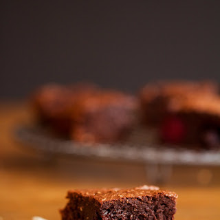 Perfect Avocado Brownies with Cinnamon and Blueberries (vegan).