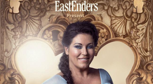Jessie Wallace's 'amazing' Frozen performance