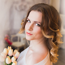 Wedding photographer Kristina Vikulova (Fotogloss). Photo of 08.04.2016