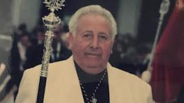 Agustín García durante una procesión.
