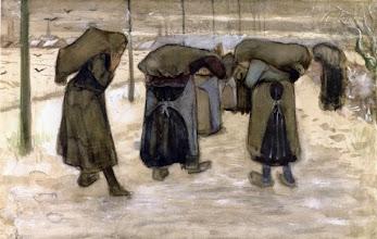 """Photo: Vincent Van Gogh, """"Donne nella neve che portano sacchi di carbone"""" (1882)"""