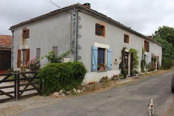 maison à Millac (86)