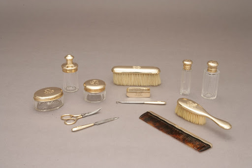 Edith Kermit Roosevelt's toiletry set