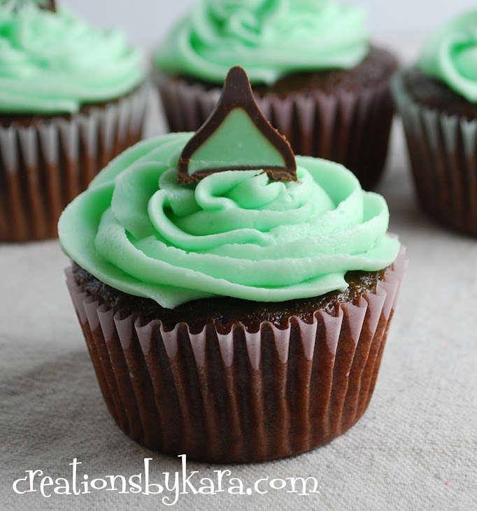 Mint Chocolate Cupcakes with Mint Fudge Filling Recipe