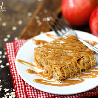 Apple Oatmeal Bars with Cinnamon Caramel Sauce {& an awesome caramel apple dip!}.
