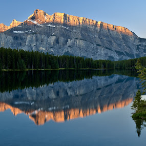 Mt Rundle in morning light by Peter Luxem - Backgrounds Nature ( calm, mt rundle, tranquil, reflection, mountain, canada, alberta, alpenglow, still, sunrise, banff )
