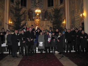 """Photo: chór """"Lira"""" wprowadził nas w atmosferę Bożego Narodzenia..."""