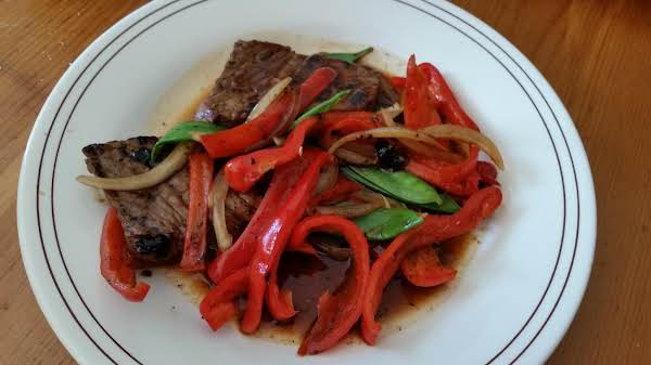 Stir Fried Pepper Beef With Snow Peas