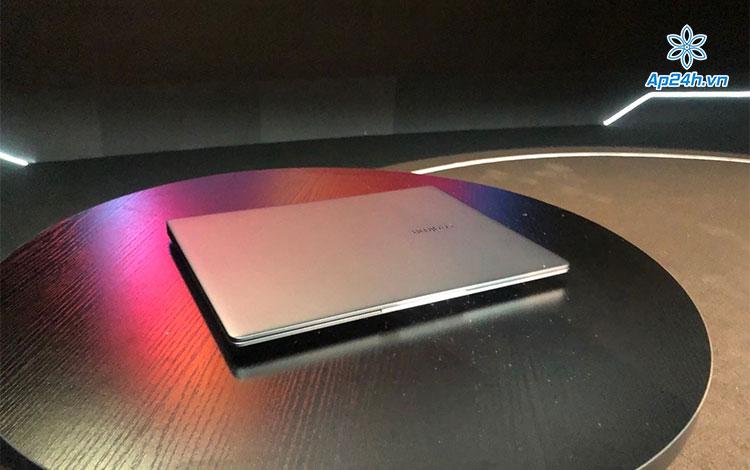 Realme Book lộ ảnh thực tế với thiết kế đẹp không kém gì MacBook