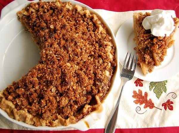 Cheezy Apple Bacon Crunch Pie