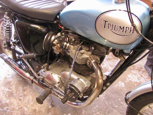 Triumph Bonneville 750 Spéciale Machines et Moteurs