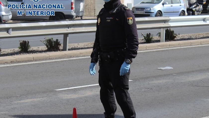 La Policía Nacional le preguntó sobre el motivo del desplazamiento.