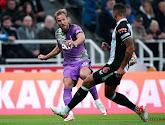 Tottenham wint bij Newcastle in partij die opgeschrikt wordt door hartfalen fan