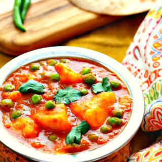Indian Spiced Potato and Peas (Aloo Matar) Recipe